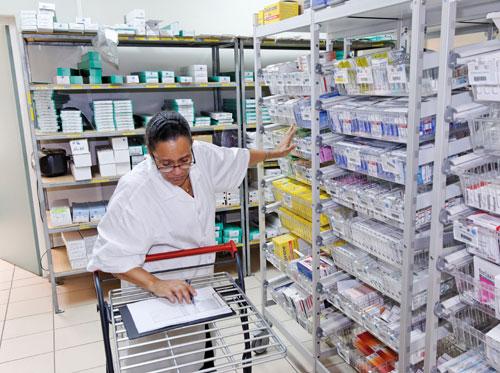 Pharmacie à usage intérieur